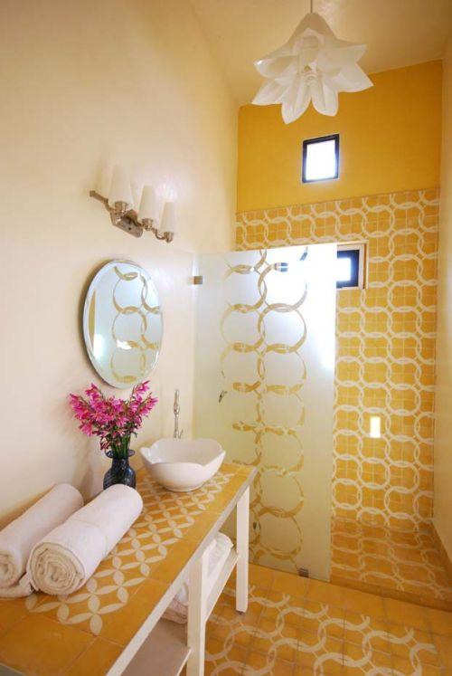 Decoraci n e ideas para mi hogar lindos ba os en color for La casa amarilla banos