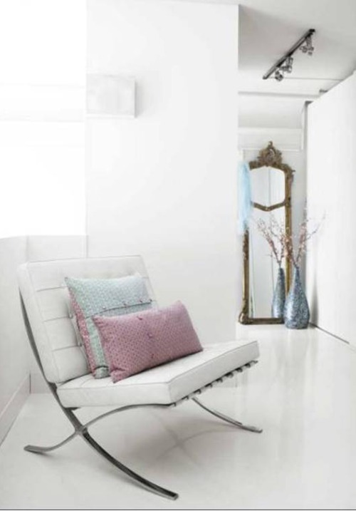interior-blanco-silla-barcelona