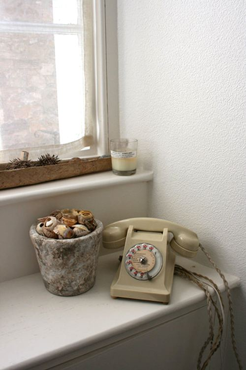 interior-estilo-vintage-telefonos